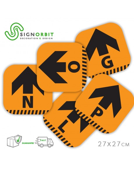 N.09 Adesivi in PVC calpestabile - 27X27cm - indicatore di direzione ARANCIONE con LETTERA