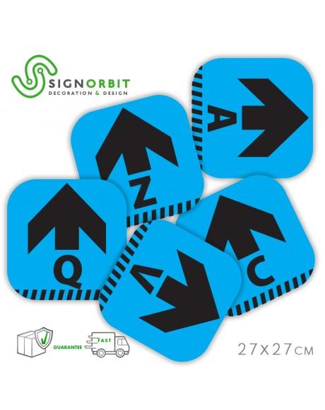 N.09 Adesivi PVC Calpestabile - 27X27cm - indicatore di direzione con lettera - Celeste